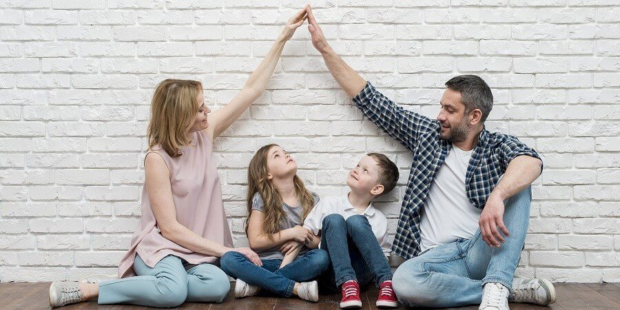 ¿A quién se atribuye el uso de la vivienda familiar en caso de custodia compartida?